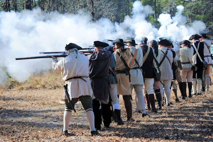 Battle-of-Moores-Creek-Bridge-Reenactment-09-850x567