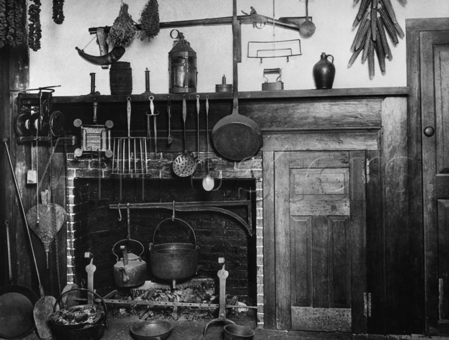 Colonial-fireplace-Salem-1750